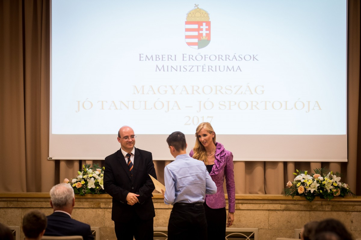 Több mint félezren érdemelték ki a jó tanuló, jó sportoló díjat